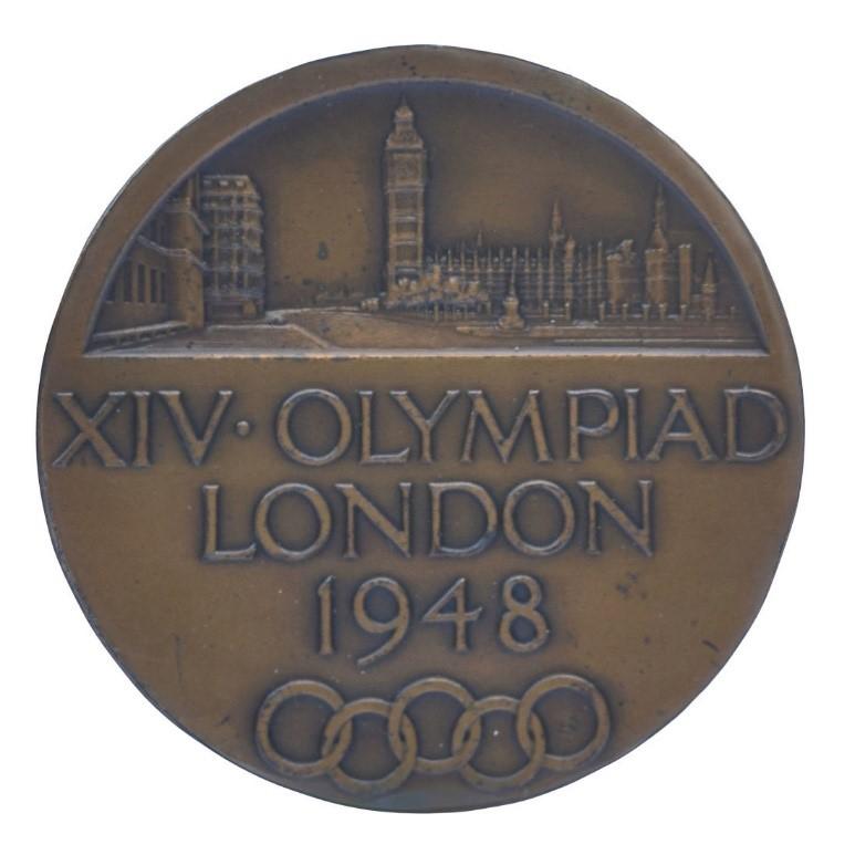 Kép: Érem az 1948-es olimpiáról, ismeretlen alkotó (Görög Olimpiai Bizottság), CC BY-NC-ND