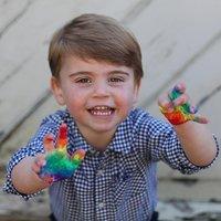 Bájos fotókat készített Katalin a kétéves Lajos hercegről