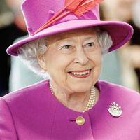 Megtréfált néhány fogalmatlan amerikai turistát II. Erzsébet
