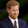 """Simán """"leharryzték"""" Harry herceget egy rendezvényen"""