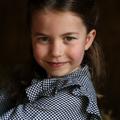 Ötéves lett Sarolta - jótékonykodás közben fotózta le édesanyja