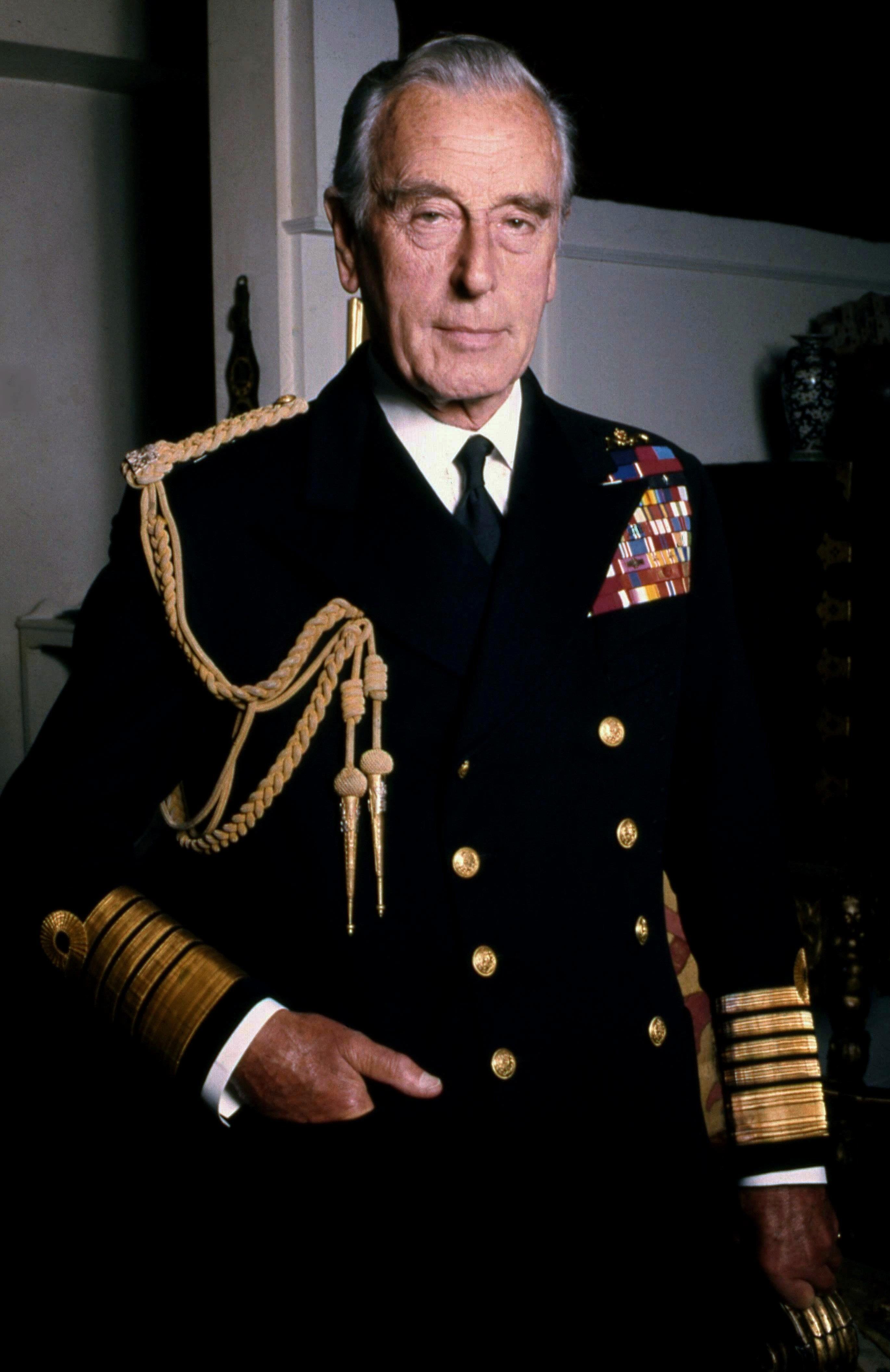 lord_mountbatten_naval_in_colour_allan_warren.jpg