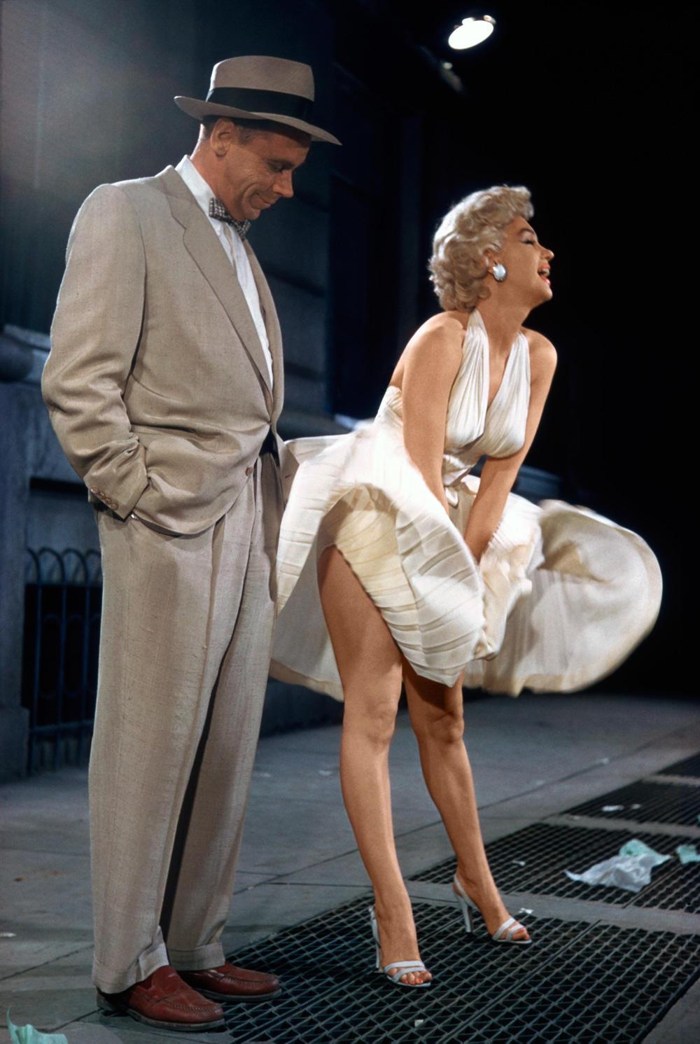 marilyn-monroe-flying-skirt-4.jpg