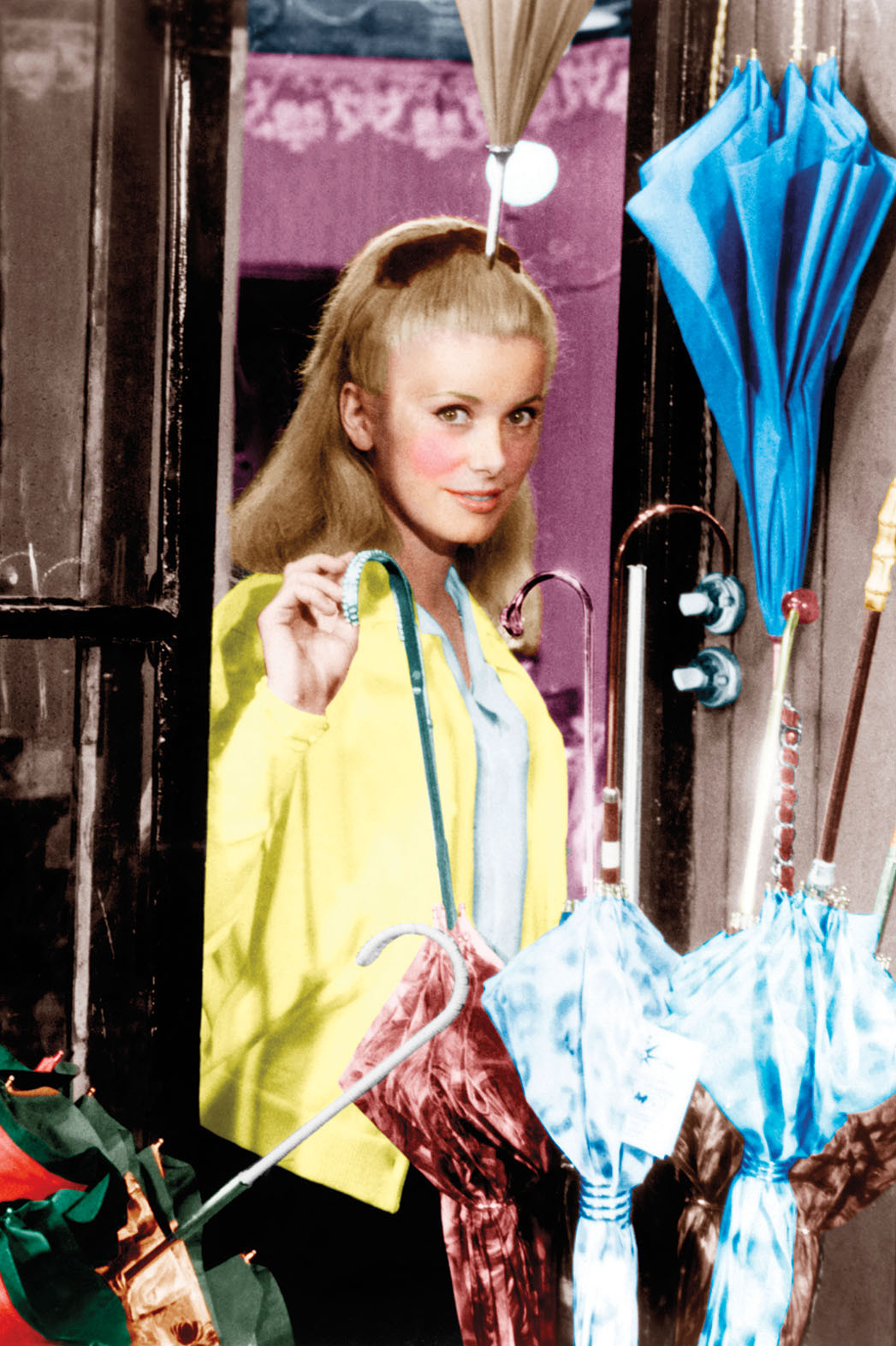 the_umbrellas_of_cherbourg-compressed.jpg