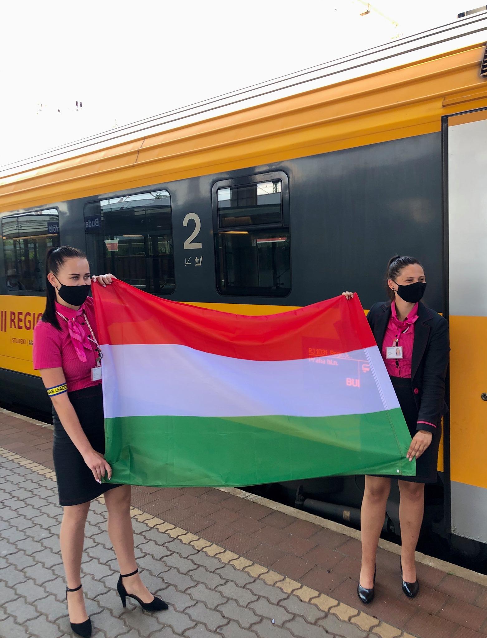 regiojet_magyar_zaszlo.jpg