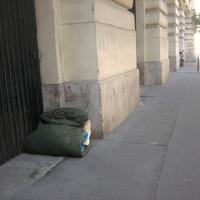 Designcenter: a Tőzsdepalota Kft (néhai MTV székház) furnéros hajléktalanelhárítása