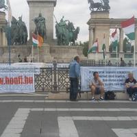 Tarczi István népnemzeti vurstlija a Hősök terén: takarítsuk le!