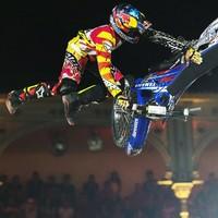 Az első motoros bikeflip (Videó)