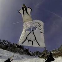 Segglyukon át az új évbe wingsuittal!