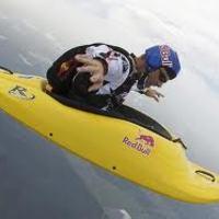 Ha unalmas az ejtőernyőzés, próbáld ki a Skyaking-ot!