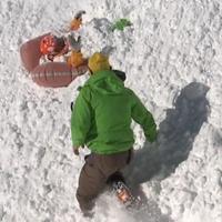Síelő, lavina, airbag (videó!)