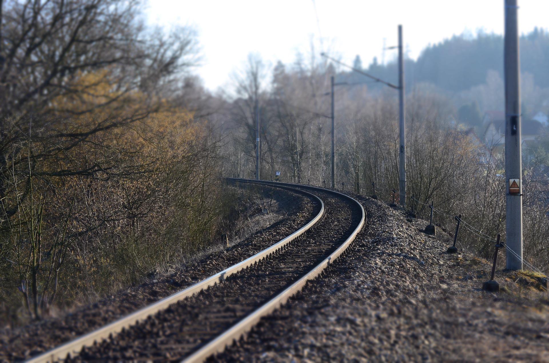 track-704820_1920.jpg
