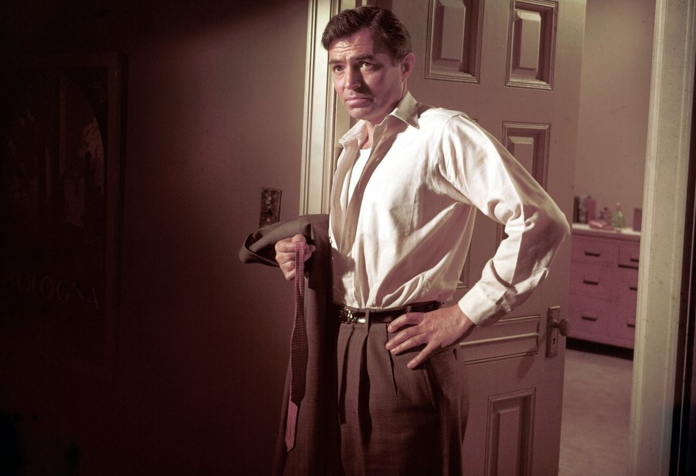 bigger-than-life-1956-001-james-mason-holding-jacket-and-tie.jpg