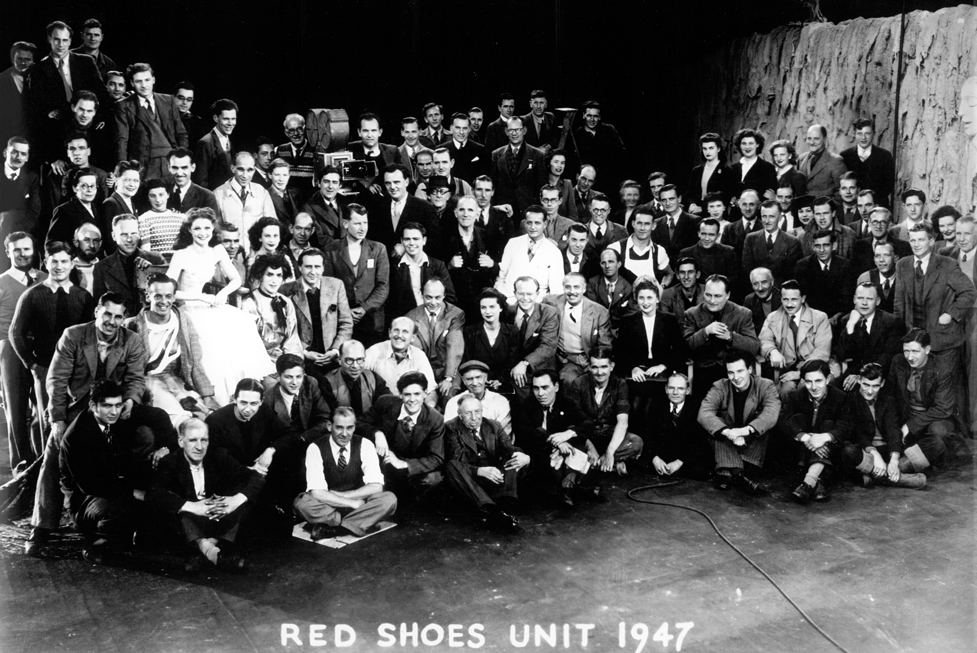 041-the-red-shoes-theredlist.png