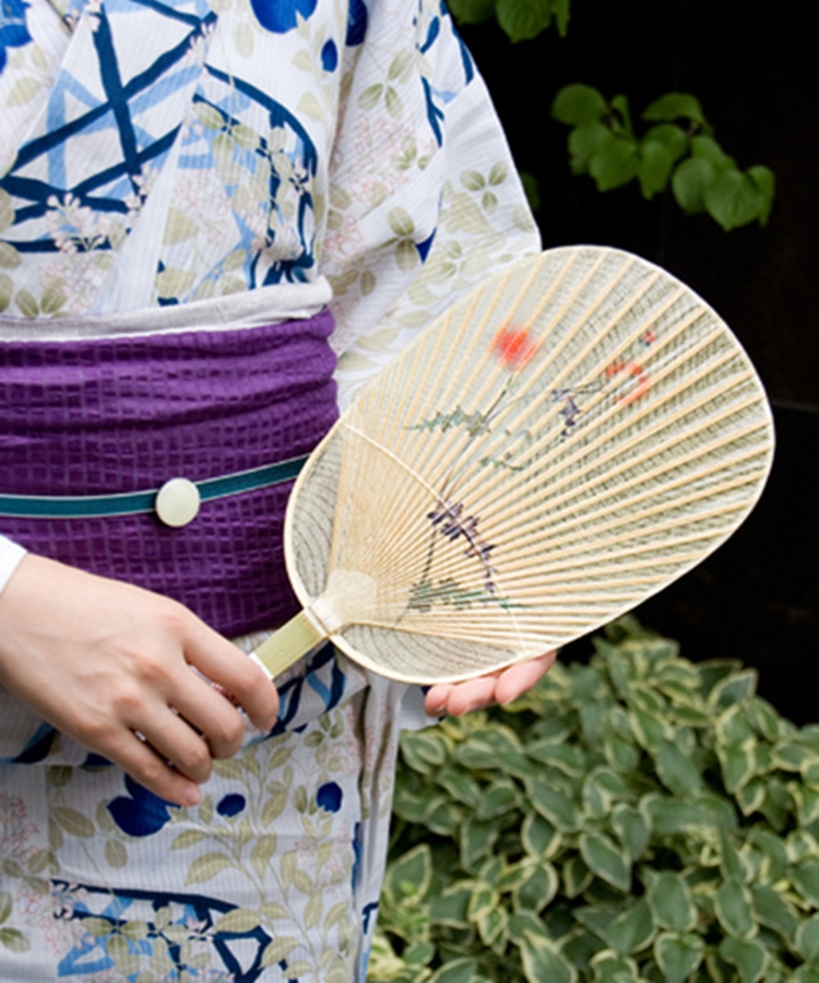 girl-with-uchiwa.jpg