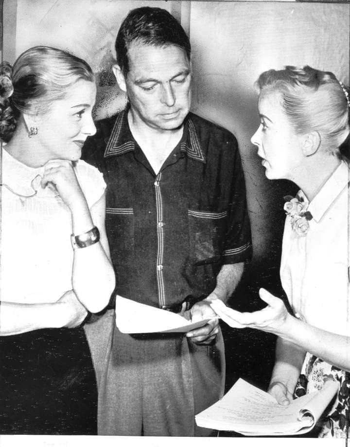 joan-fontaine-and-lupino-with-young-working-on-the-bigamist-1yj7xyo.jpg