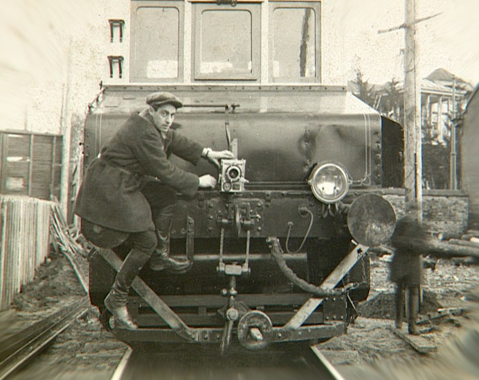 mikhail_kaufman_on_train.jpg