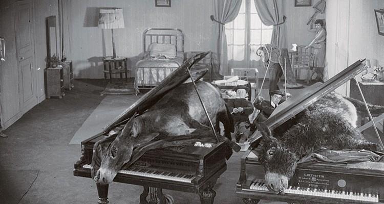 un-chien-andalou-luis-bunuel-19291-750x400.jpg