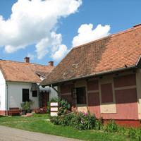 Múltidéző parasztházak testközelben