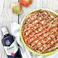 Whiskey-s, fűszeres almás pite, a hűvős őszi napokra