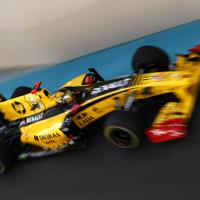A Pirelli autót talált, pilótát még nem