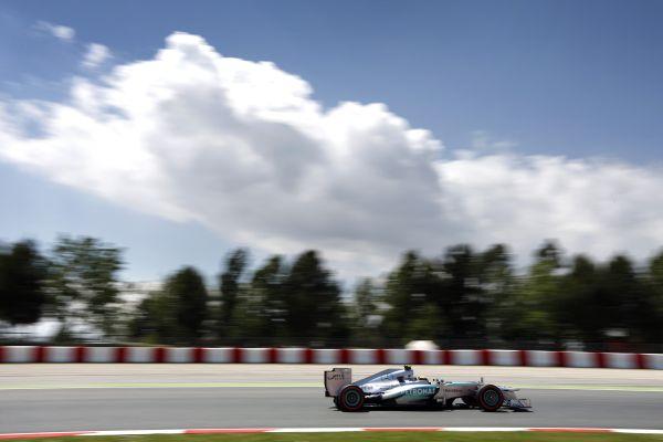 Mercedes_tyretest22_res600.jpg