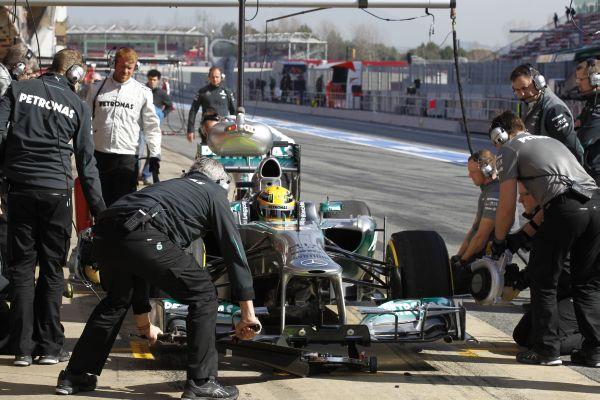 Mercedes_tyretest_res600.jpg