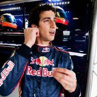 Mindkét pilótáját kirúgta a Toro Rosso!