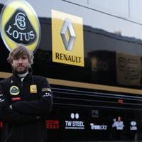 Hivatalos: Heidfeld váltja Kubicát a Renault-nál
