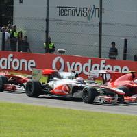 Alonso győzelme visszadobta a Ferrarit a vb-csatába