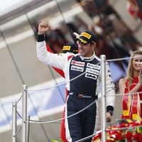 Garázstűz árnyékolta be Maldonado szenzációs győzelmét