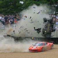 A nap képei: McNish balesete Le Mans-ban, újra!