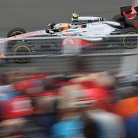 Hamilton uralta Montrealt pénteken, erősek a Ferrarik