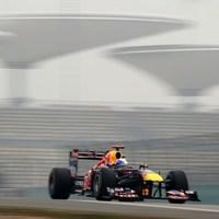 Vettel és a Red Bull tovább dominál Kínában