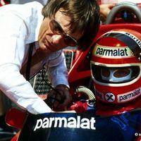 Ecclestone: Nincs több kifogás a Mercedesnél!