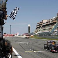 Vettel nyert Räikkönen előtt – A világbajnok otthon szerezte meg 30. diadalát