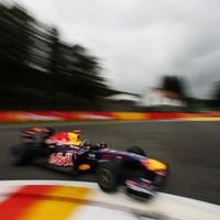 Kettős Red Bull-siker, Button a dobogón Belgiumban