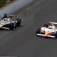 Elképesztő befutó az Indy-500-on, dráma az utolsó körben