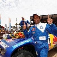 Kosarat kapott a Volkswagentől a Dakar-bajnok