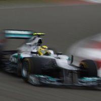 Nico Rosberg megszerezte első pole-ját Sanghajban
