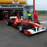 Alonso kipróbálta az új Ferrarit Fioranóban