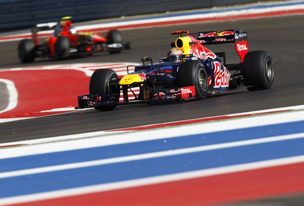 F12012USA_Vettel_nyito.jpg