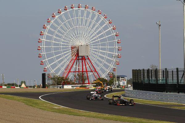 R15_Kimi_Perez_JapanGP12.jpg