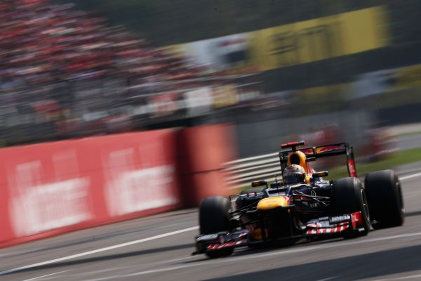 RedBull_Vettel_ITA12_r600.jpg