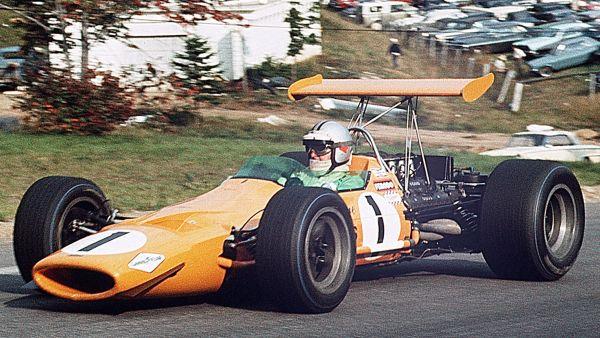 Hulme McLaren-Ford CAN-GP 1968.jpg