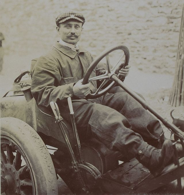 ferenc_szisz_au_grand_prix_automobile_de_france_1906_1.jpg