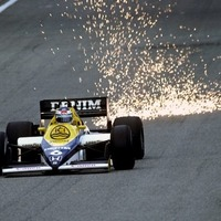 Történelmi pillanat: Keke Rosberg felégeti Silvestone-t