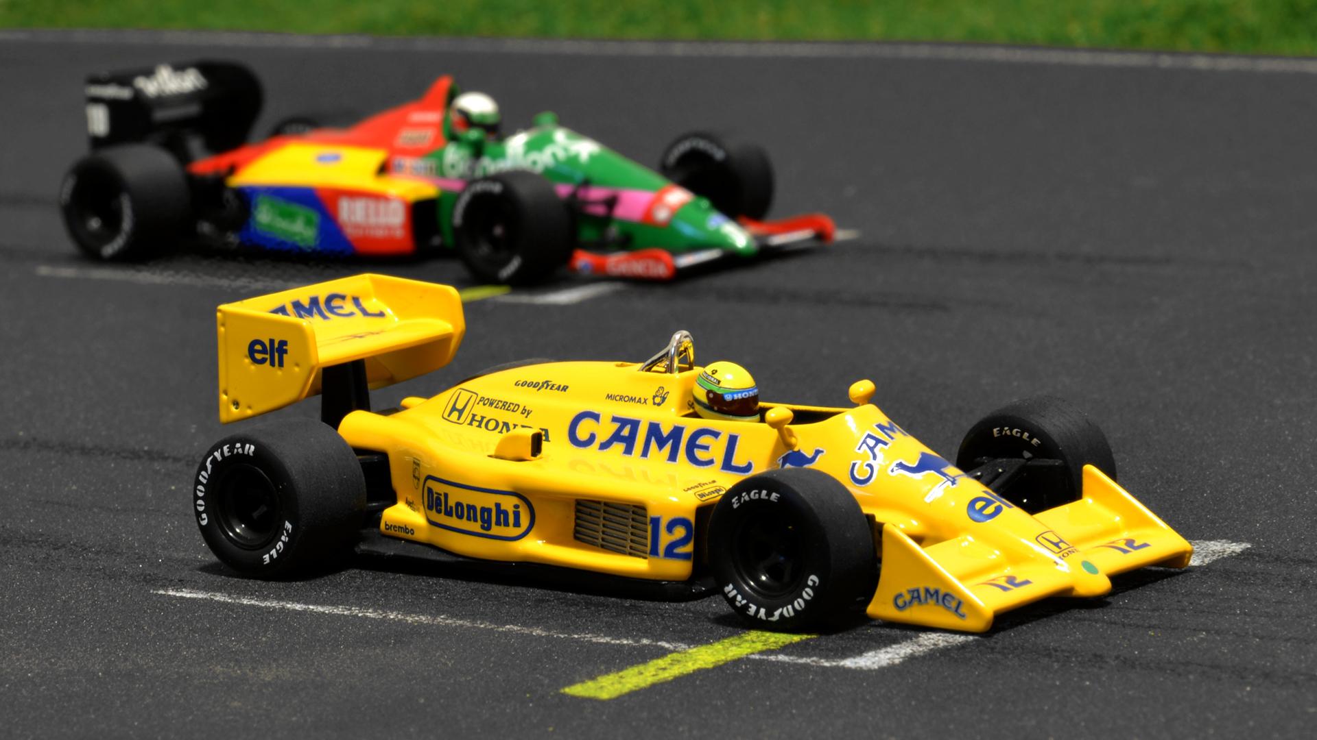 A citromsárga Lotus 99T és a Benetton B187. Mindkettő nagy kincs a gyűjteményemben.
