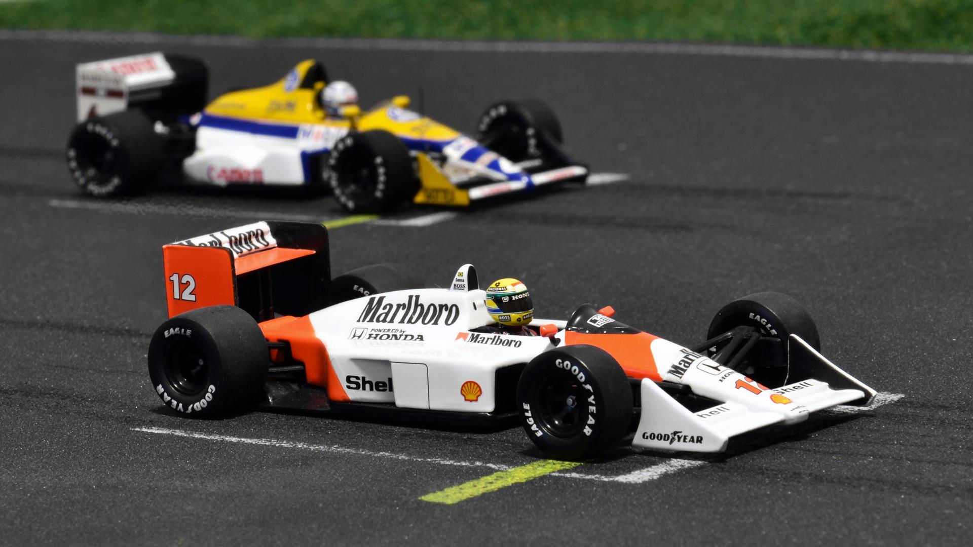 A legsikeresebb McLaren az MP4/4-es egy Williams FW12-es társaságában.