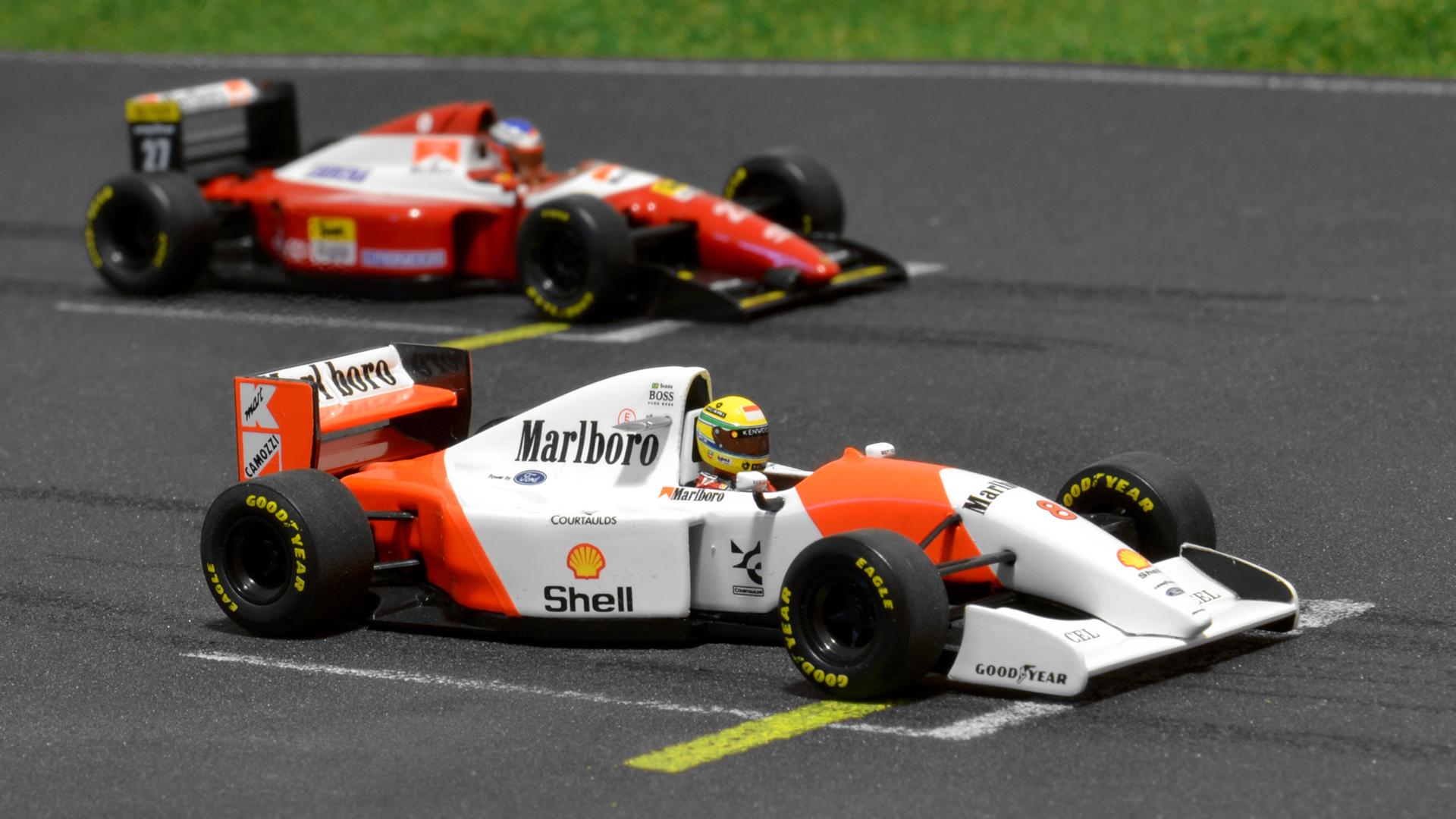 Két nagy kedvencem az MP4/8 és a Ferrari F93A